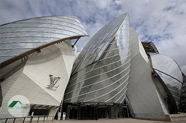 طراحی نمای شیشهای ساختمان لوئیس ویتون
